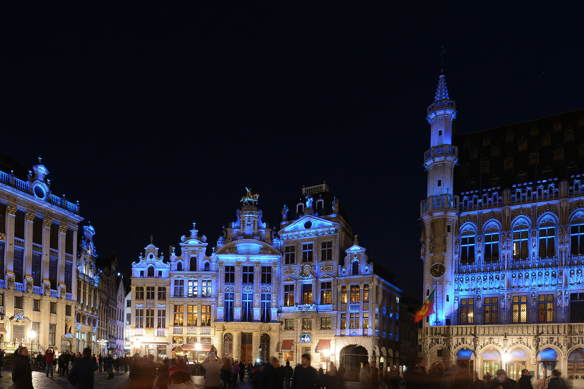 The LED lighting scheme on Grand Place in Brussels generates energy savings of 80%