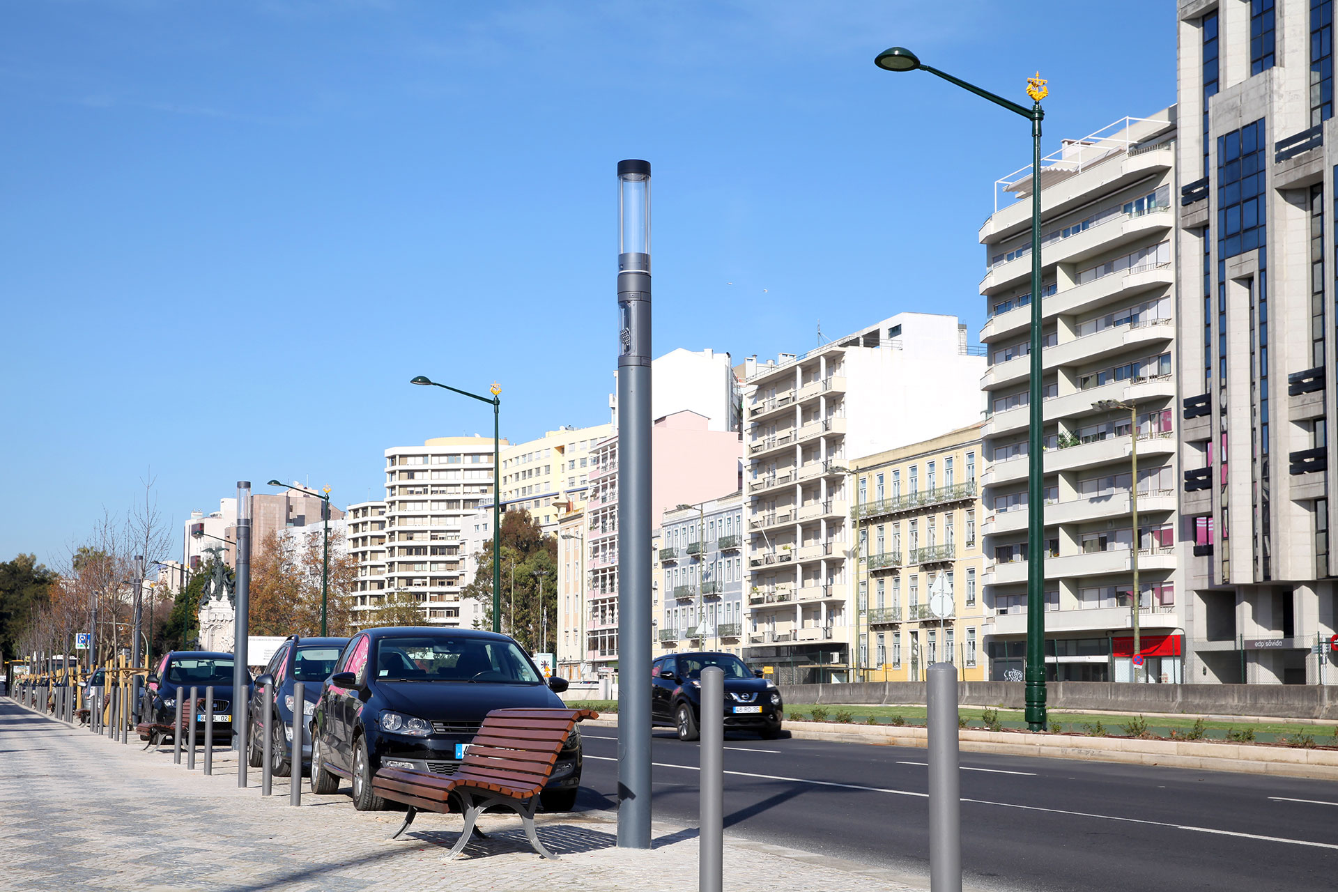 Shuffle and Scala LED luminaires managed by Owlet control system provide a smart lighting solution for the Portuguese capital